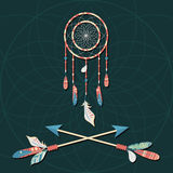 Vector el colector ideal con las plumas coloridas y las flechas cruzadas en fondo oscuro Foto de archivo libre de regalías