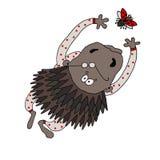 Vector el dibujo de un puerco espín vestido en pijamas con los lunares que intentan coger una mariquita libre illustration