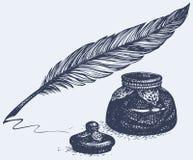 Vector el dibujo a pulso de la pluma y del tintero antiguos Foto de archivo