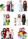 Vector el ejemplo colorido de la familia árabe en ropa nacional ilustración del vector