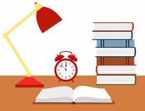 Vector el ejemplo de un libro abierto, del despertador y de una lámpara de lectura en el escritorio Imagen de archivo