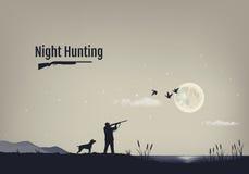 Vector el ejemplo del proceso de la caza para los patos en la noche Siluetas de un perro de caza con el cazador Imagen de archivo