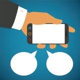 Vector el ejemplo del smartphone en mano humana con dos burbujas del discurso stock de ilustración