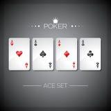 Vector el ejemplo en un tema del casino con jugar tarjetas del póker Los as del póker fijaron la plantilla Fotos de archivo