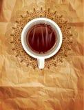 Vector el fondo con una taza del café y de un modelo a cielo abierto o Foto de archivo