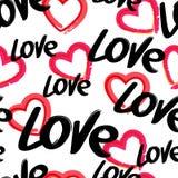 Vector el modelo inconsútil con amor dibujado mano de la palabra y corazón rojo, libre illustration
