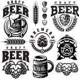 Vector el sistema del monocromo de los ejemplos, muestras, elementos del diseño para el diseño de tema de la cerveza Foto de archivo