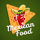 Vector Emblem des mexikanischen Lebensmittels mit Pfeffer des roten Paprikas und Nachos Stockbilder