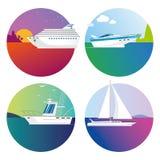 Vector Farbboote und versendet Ikonen auf tropischer Reise und Fischen des weißen Hintergrundes lizenzfreie stockfotos