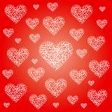 Vector festlichen Musterhintergrund des roten Valentinsgrußes mit unregelmäßigen weißen flüchtigen Herzen Lizenzfreie Stockbilder