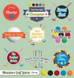 Vector fijado: Escrituras de la etiqueta e iconos del golf miniatura Foto de archivo libre de regalías