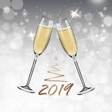 Vector Gelukkig Nieuwjaar met het roosteren van glazen champagne op witte sneeuwachtergrond in realistische stijl Groetkaart of stock illustratie