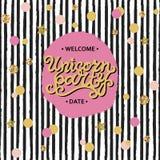 Vector gezeichnete Beschriftungs-, rosa und Goldenekreise Illustration Unicorn Partys Hand, schwarze Streifen vektor abbildung