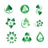 Vector glanzende groene bladreeks, aard, ecologie, groene dalingen, water, biologie, organische, natuurlijke logotype, de pictogr Stock Afbeeldingen