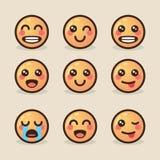 Vector gli emoticon di kawaii di stile dell'illustrazione con le varie emozioni su un fondo leggero Immagini Stock Libere da Diritti