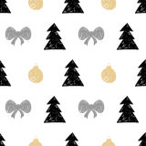Vector hand drawn Christmas tree, gift ball seamless pattern in Stock Image
