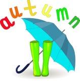 Vector Hand gezeichnete Illustration von grünen Gummistiefeln und von offenem Regenschirm des Blaus und von buntem Buchstabeherbs Lizenzfreies Stockfoto