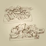 Vector Hand gezeichnete kalte Aperitifs der Lebensmittelskizze, Gurken, Tomaten, Fett, Grüns, Gewürze stock abbildung