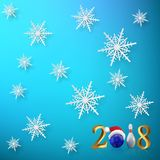 vector het Nieuwjaarmalplaatje van 2018 Het werpen 2018 Nieuwjaarteken met kegelenbal, kegel en sneeuwvlokken op blauwe achtergro vector illustratie