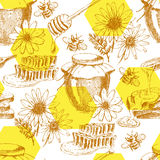 Vector honey seamless pattern. hand drawn jar, spoon, stick, cells, camomile. ink sketch of organic nature products. Vector honey seamless background. hand drawn Stock Photography