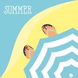 Vector i piedi del fondo in pantofole sui precedenti della spiaggia e della vista superiore dell'ombrello di spiaggia Fotografia Stock
