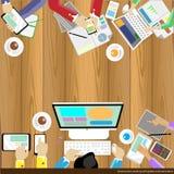 Vector il 'brainstorming' e la riunione dell'uomo d'affari sulla tavola di legno Immagini Stock