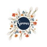 Vector il fondo con l'estate disegnata a mano di parola nel telaio del cerchio con i fiori del campo intorno illustrazione vettoriale