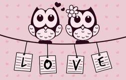Vector il fumetto sveglio adorabile del gufo con la lettera di amore ed il fondo d'attaccatura di amore illustrazione di stock