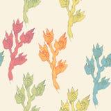 Vector il modello disegnato a mano con il ramo tropicale dei fiori su fondo beige Disegno della progettazione senza cuciture, buo Immagine Stock Libera da Diritti