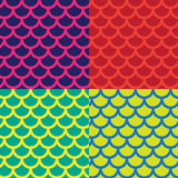 Vector il modello o la carta da parati dell'illustrazione sui precedenti multicolori luminosi con le figure di un semicerchio e d Fotografie Stock Libere da Diritti