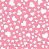 Vector il modello senza cuciture del cuore lanuginoso bianco isolato su fondo rosa royalty illustrazione gratis