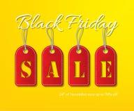 Vector il testo bianco di vendita di Black Friday con le etichette rosse su fondo giallo Modello di promozione di vendita di Blac Immagine Stock