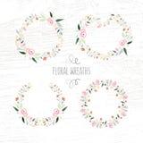 Vector Illustration der Hand gezeichneten Pastellblume und des Blumenrahmens Lizenzfreie Stockfotos
