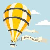 Vector Illustration des Heißluftballons auf dem Himmel Lizenzfreie Stockfotos