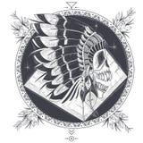 Vector Illustration einer Schablone für eine Tätowierung mit einem menschlichen Schädel in einem indischen Federhut Lizenzfreies Stockbild
