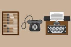 Vector a ilustração da máquina de escrever lisa do vintage, ábaco de madeira velho, telefone velho Foto de Stock Royalty Free