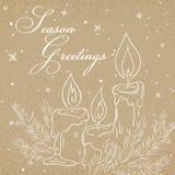 Vector a ilustração do cartão do papel de embalagem do Natal com esboço das velas, do ramo da árvore de Natal, da etiqueta e dos  Foto de Stock
