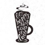 Vector a ilustração imprimível tirada mão do copo do latte com expressão da rotulação - esteja feliz têm um copo do latte, fumo c Fotos de Stock