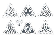 Vector Keltisch deel 2 van de drievuldigheidsknoop Etnisch ornament Stock Foto