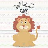 Vector l'illustrazione con il leone sorridente e l'iscrizione del fumetto di quello con lettere selvaggio illustrazione vettoriale