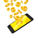 Vector l'illustrazione con lo smartphone e l'insieme della moneta dorata di caduta con l'emblema del bitcoin isolato su fondo bia Fotografia Stock