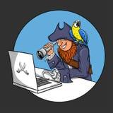 Vector l'illustrazione del pirata che si siede davanti al computer Fotografie Stock