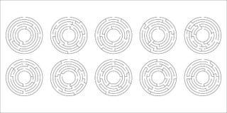 Vector l'illustrazione di un insieme di dieci labirinti circolari Fotografia Stock Libera da Diritti