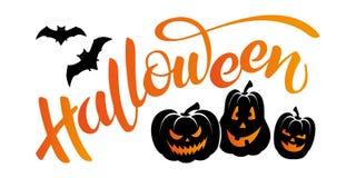 Vector l'insegna con l'iscrizione Halloween, i pipistrelli e delle zucche con lettere fotografia stock