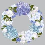 Vector la corona floreale d'annata con le rose bianche, le viole, dimenticare-me immagini stock