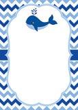 Vector la plantilla de la tarjeta con una ballena linda en el fondo de Chevron Vector náutico ilustración del vector