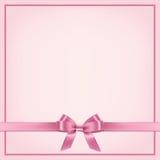 Vector la plantilla rosada realista de la postal con la cinta y arquee stock de ilustración