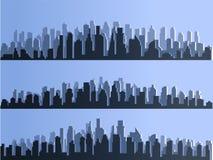 Vector la silueta de la ciudad grande de la ciudad, rascacielos que construyen, centros de negocios Crepúsculo, puesta del sol az ilustración del vector
