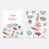 Vector la tarjeta de conchas marinas, de estrellas de mar y de seahorses Imagenes de archivo