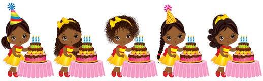 Vector a las pequeñas muchachas afroamericanas lindas que soplan hacia fuera velas en las tortas de cumpleaños ilustración del vector